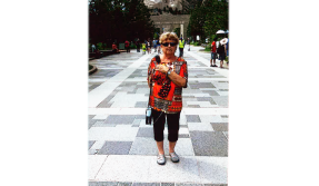 Cheryl P. takes her Inogen One to Mt. Rushmore